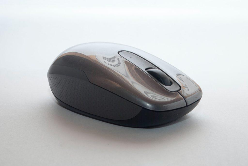 CADソフトの操作には必要となるマウス